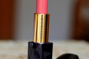 Estee Lauder Irresistible (440) Pure Color Envy Sculpting Lipstick Review Swatches Photos