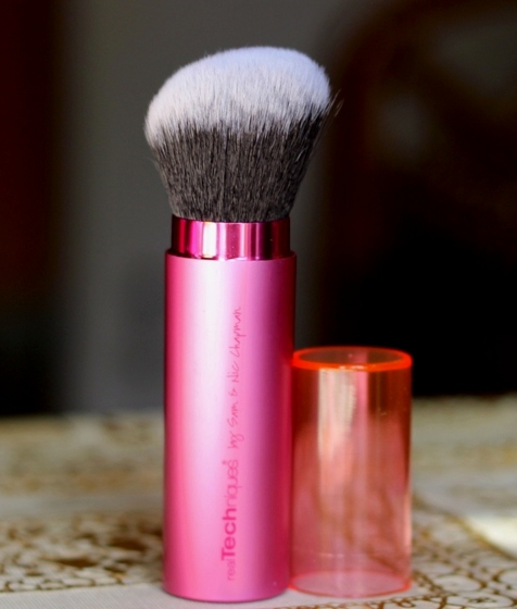 Real Techniques Retractable Kabuki Brush Review Price buy online India (4)