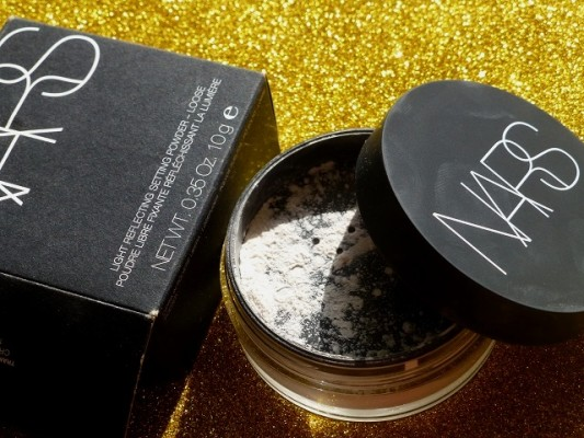 NARS Translucent Crystal Light Reflecting Loose Powder review swatches price india (2)