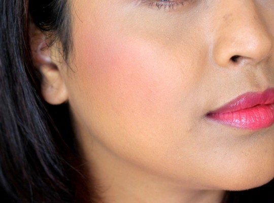 Faces Hot Pink Glam On Perfect Blush Review Swatches Price India (1)