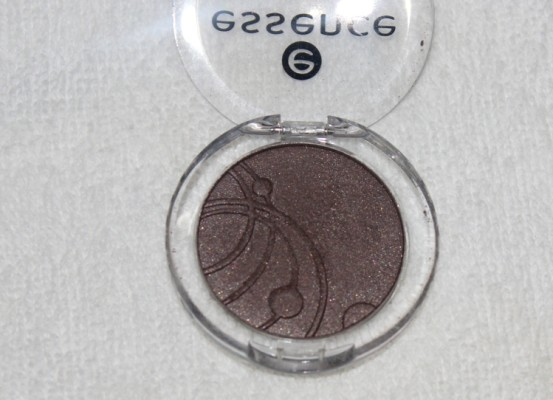 Essence Get Ready (09) Mono Eyeshadow Review swatches Photos Look
