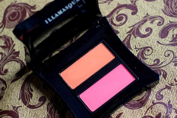 Illamasqua Powder Blusher Duo In Lover & Hussy Review Swatches Photos (3)