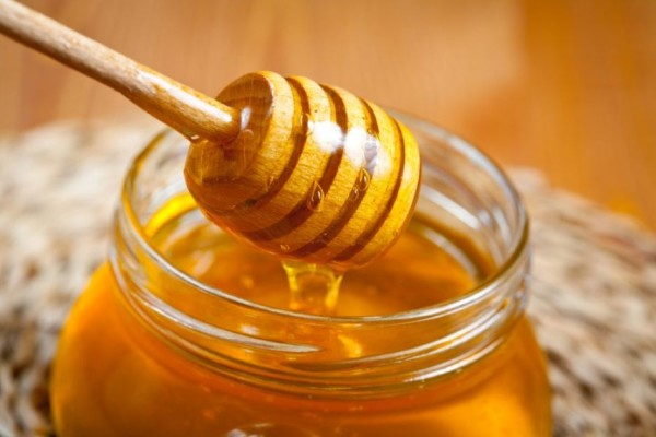How To Use Honey For Glowing Skin - 5 Ways