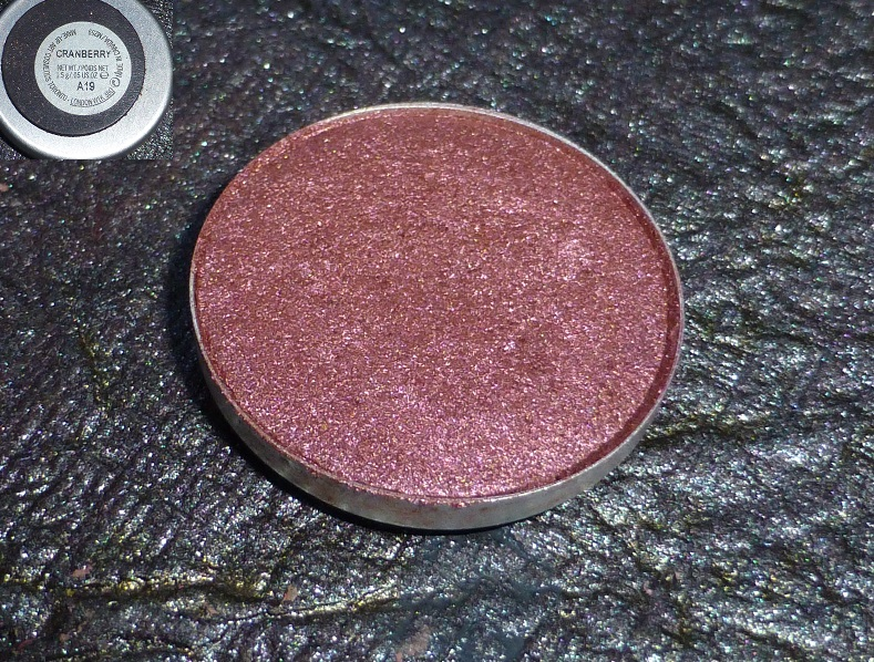 MAC Cranberry eye shadow India review swatches photos india (1)