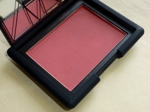 NARS Amour Blush Review Swatches Photos (4)