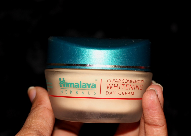 Himalaya Clear Complexion Whitening Day Cream Review Price Photos (4)