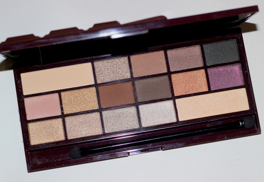 Makeup Revolution Death By Chocolate Palette Review Swatches Photos (4)
