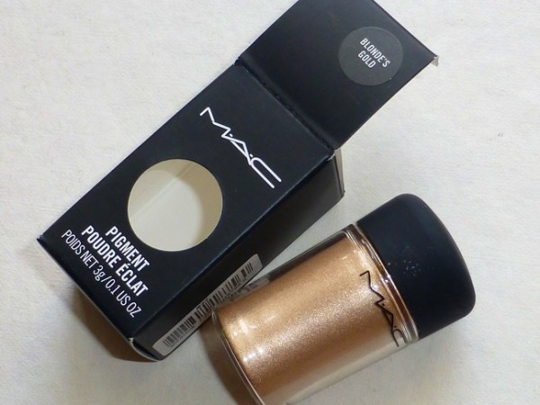 MAC Blonde's Gold Pigment Review Photos Swatches (1)