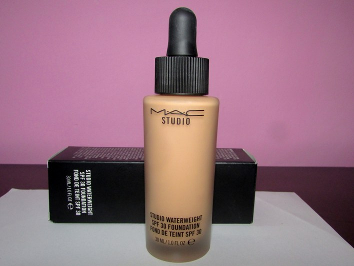 MAC Studio Waterweight SPF 30 Foundation Review Price Photos (3)