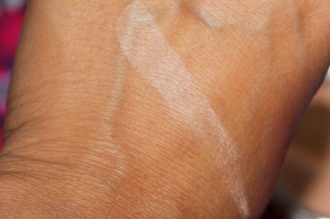 Colorbar Perfect Match Compact Nude Beige Review Swatches Photos (1)