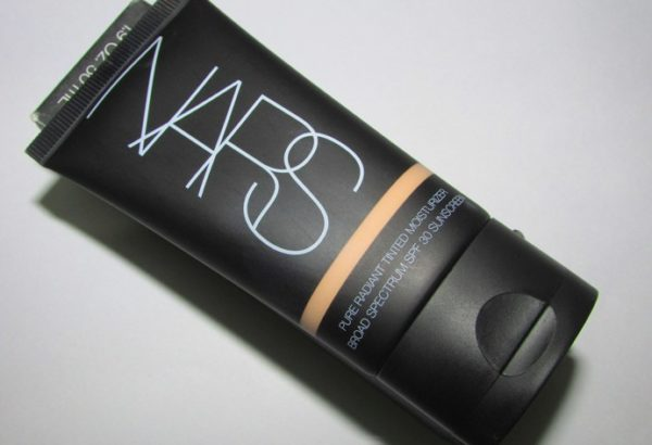 Nars Pure Radiant Tinted Moisturizer Broad Spectrum SPF 30 Review photos price (2)