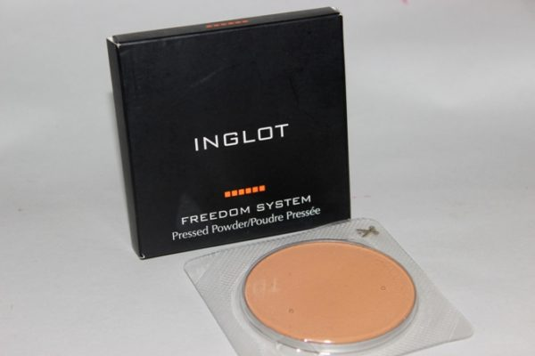 Inglot Pressed Powder No 14 Review Photos Swatches Price (2)