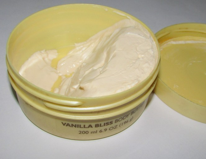 THE BODY SHOP VANILLA BLISS BODY BUTTER review photos price (2)