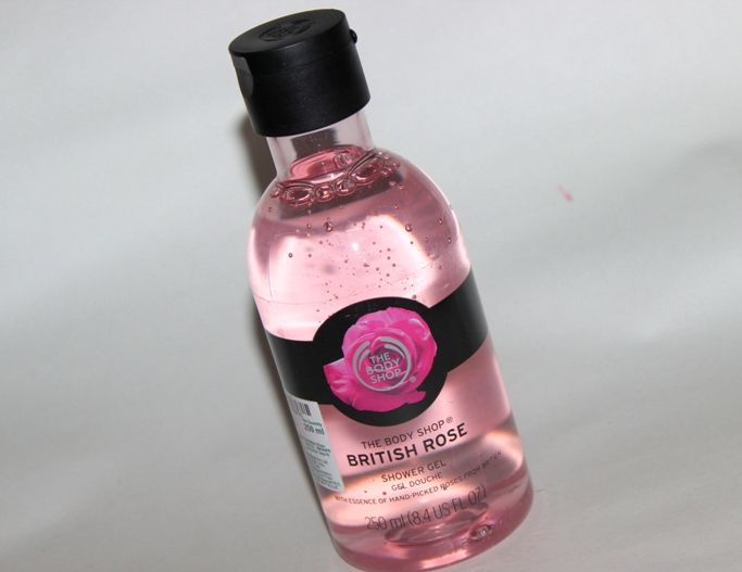 The Body Shop British Rose Scrub, Body Butter, Shower gel Review (5)
