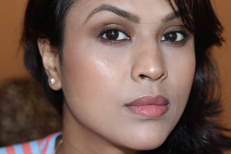 Lakme Absolute Illuminating Foundation Review price photos - Honey Beam