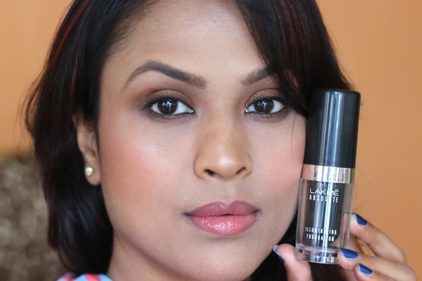 Lakme Absolute Illuminating Foundation Honey Beam Review swatches photos