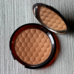 The Body Shop Honey Bronze Bronzing Powder Review Price Photos