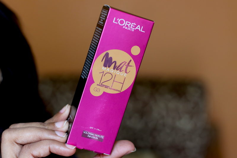 L'Oreal Paris Mat Magique 12H Bright Mat Foundation Review Photos