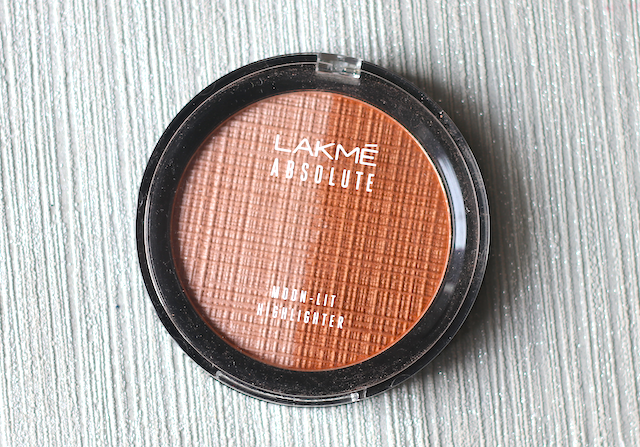 Lakme Absolute Moon Lit Highlighter  Review swatches photos