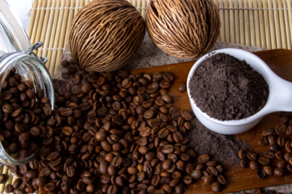 10 Amazing Ways Of Using Coffee For Skin & Hair - Home Remedies