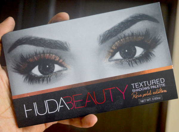 HUDA Beauty Textured Eyeshadow Palette Rose Gold Edition Review