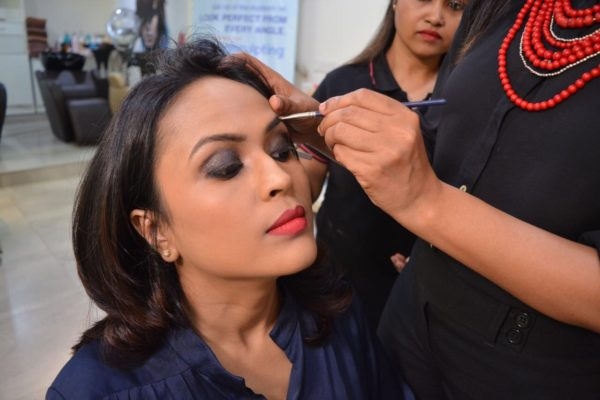 Smokey Eyes Red Lips Party Makeup at VLCC #VLCCStyleStatements