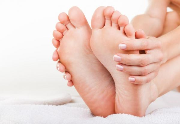 5 tips to get Soft Smooth Feet At Home