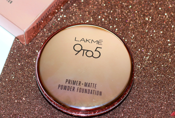 Lakme 9to5 Primer Matte Powder Foundation Compact Review Swatch Photos