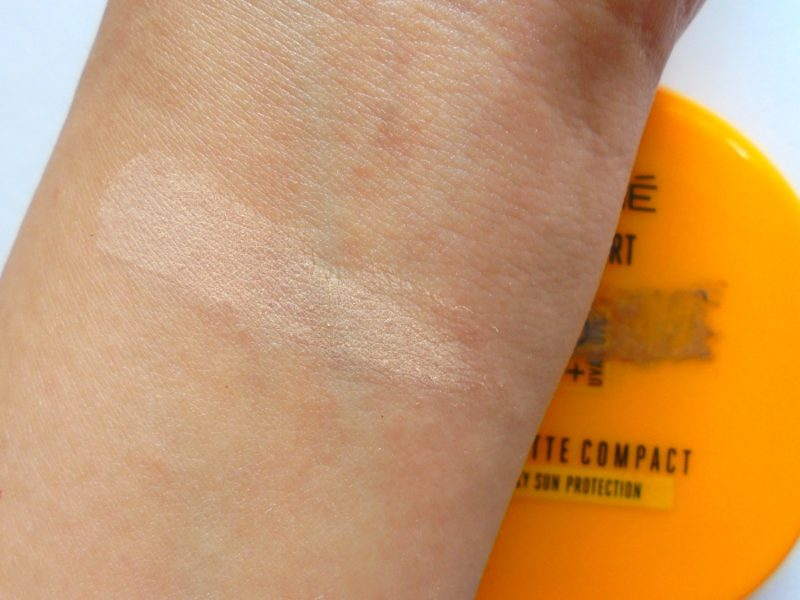 Lakme Sun Expert Ultra Matte Compact SPF 40 PA+++ Review Photos Price